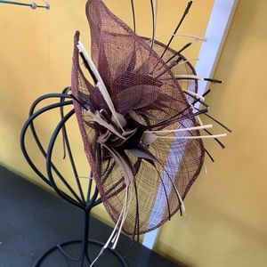 NEW Well Made Brown  and Feather Fascinator